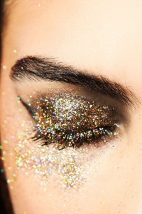 Glitter Eye Makeup Idea for Night Out