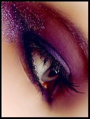 Purple Glitter Eye Makeup Idea for Mature Women
