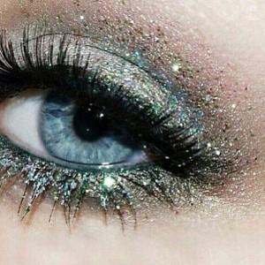 Blue Glitter Eye Makeup for Blue Eyes