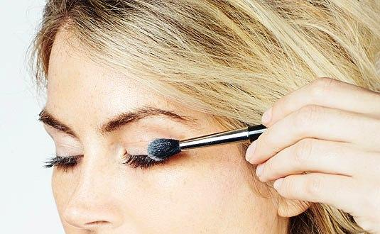 Plump up your natural lashes by this!