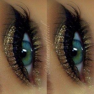Golden Glitter Eye Make up Idea for Green Eyes