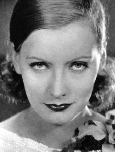 1929 Greta Garbo. Her natural lashes were widely emulated.