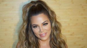 "Khloé Kardashian ""doubts"" herself when she applies her own lashes"