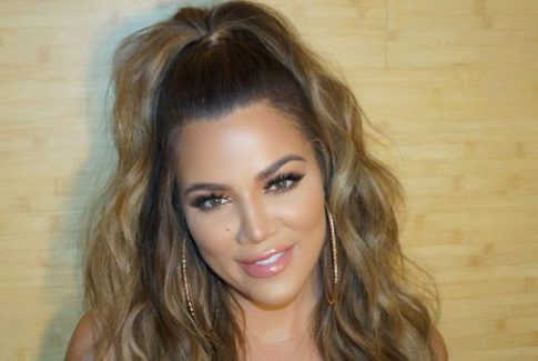 """Khloé Kardashian """"doubts"""" herself when she applies her own lashes"""