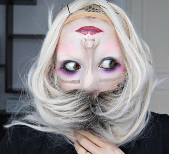 Upside down reverse makeup
