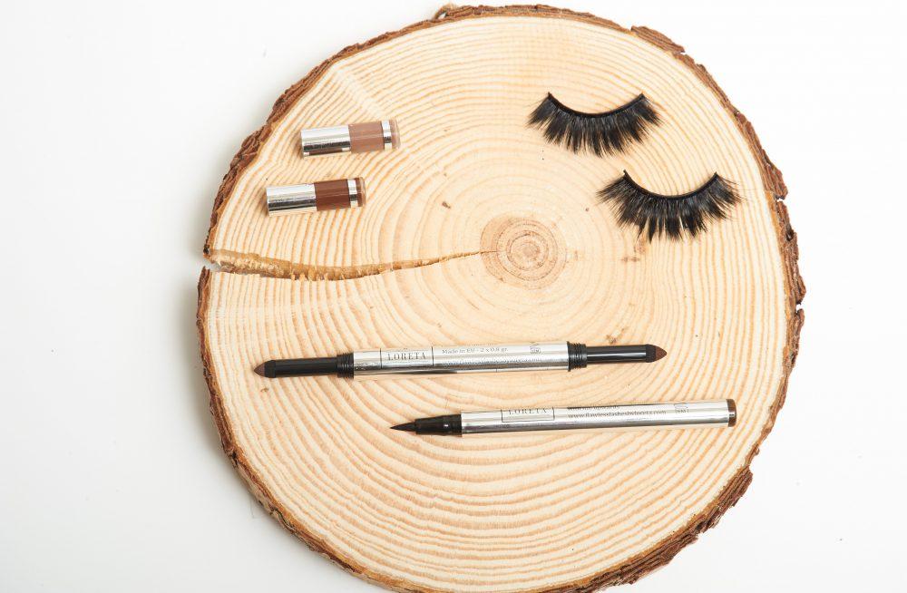 False Eyelashes with Makeup Tools