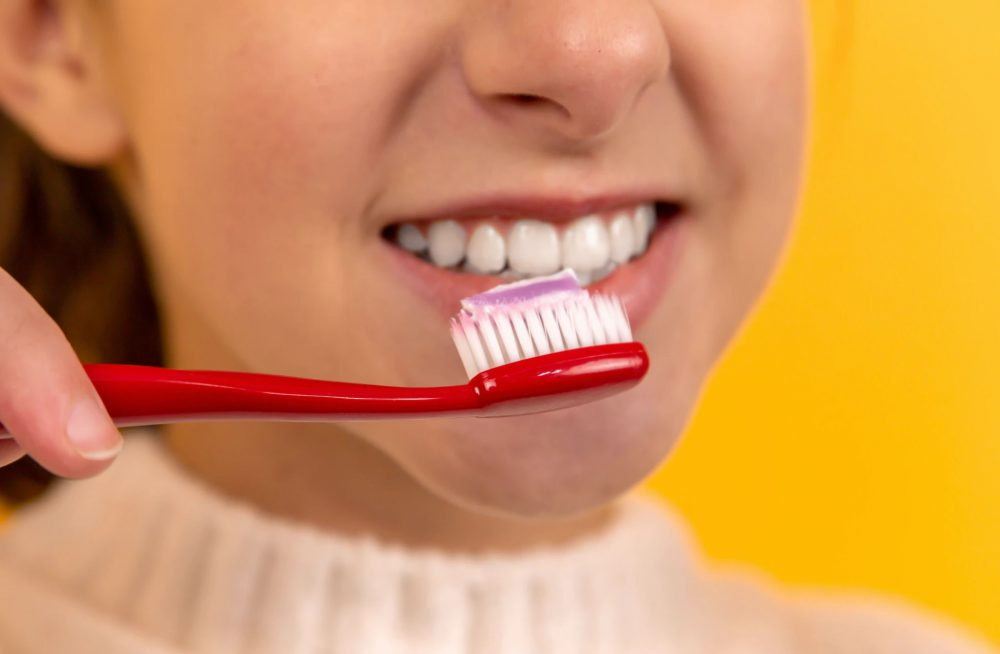 Using tooth whitening toothpaste