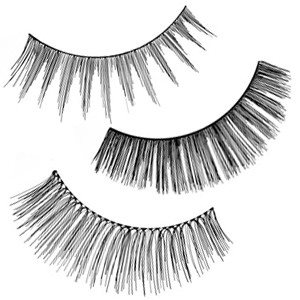 Full strip lashes are falsies eyelashes that are a great for lash on the go. Available in wide range of different volumne, fullness and lengths.